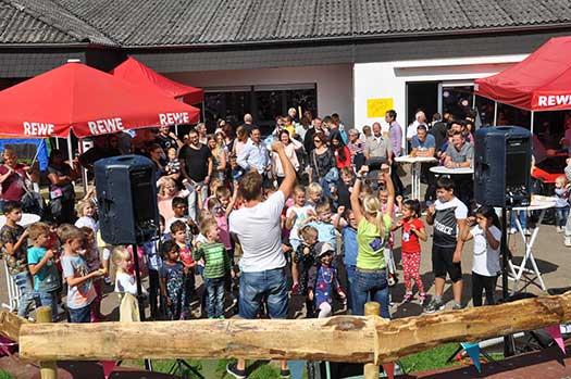 Kindermusiker aus der Eifel ♫ Uwe Reetz ♫ Auf Kinderfesten