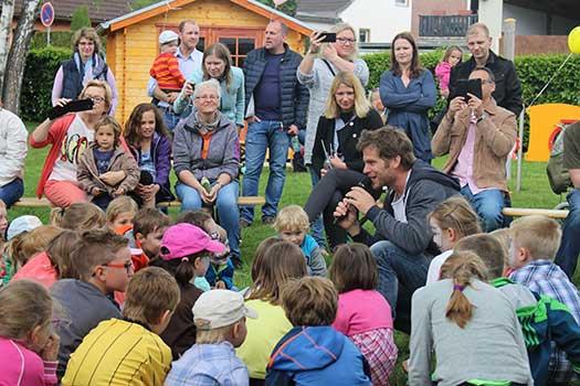Kindermusiker aus der Eifel ♫ Uwe Reetz ♫ In Kindergärten