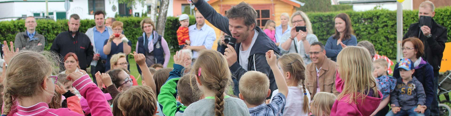Kindermusiker aus der Eifel ♫ Uwe Reetz ♫ Bei einer Party