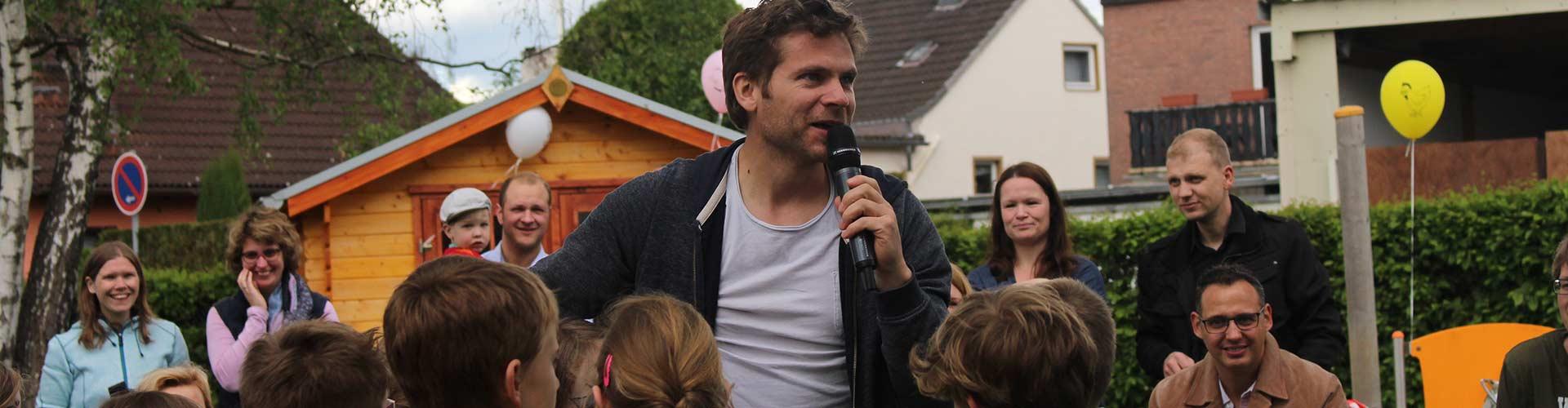 Kindermusiker aus der Eifel ♫ Uwe Reetz ♫ Beim Outdoor Auftritt
